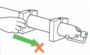 Снятие поролоновых проставок лазерной трубки LASEA